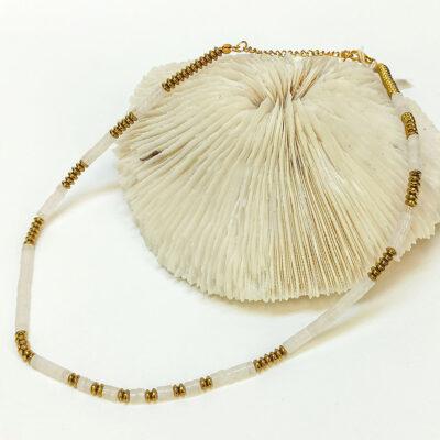 Κρεμαστό κολιέ από χρυσο ανοξείδωτο ατσάλι με λευκή πέτρα