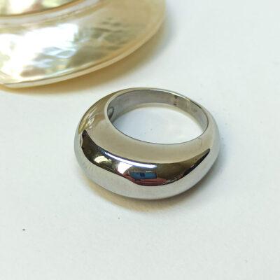 Μοντέρνο δαχτυλίδι από ανοξείδωτο ατσάλι ασημι
